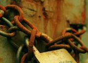 enchained / in ketten gelegt